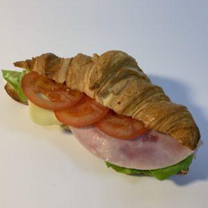 Croissant šunka sýr rajče